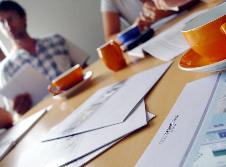 team-meeting-1458975